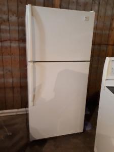 Réfrigérateur et cuisinière  (poêle) Whirpool série Impérial