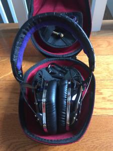 da63eff706d V Moda | New and Used Headphones in Toronto (GTA) | Kijiji Classifieds