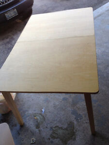 dining table Stratford Kitchener Area image 1
