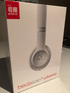 Beats Solo 3 Wireless - Silver (Unopened)