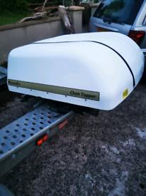 Wheel chair box with hoist