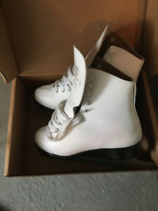 Girls skating shoes size 6