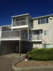 2 bedroom, 1 bath townhouse for rent