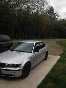 * REDUCED* *LOW KM* 2003 BMW 3-Series Sedan