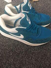 Nike air safari trainers