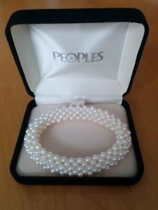 People's Pearl Elastic Bracelet