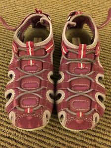 Toddler girl size 12 (EU 30) - Geox sandle/shoe
