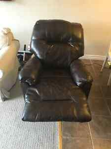 Leather Electric Reclining Chair Kitchener / Waterloo Kitchener Area image 4