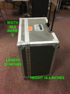 USED ROAD CASE FLIGHT STYLE, GOOD CONDITION FOR SALE GREAT PRICE