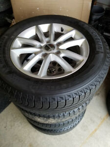 225 65 17 Michelin XIce  Dodge Caravan Journey alloys 5x127/TPMS