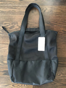 Hot Mesh Tote 30L (Black) - Brand New with Tag (BNWT)