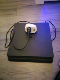 Ps4 slim 500gb two controllers and 4 games