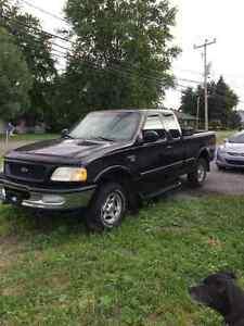 1998 Ford F-150 Black Pickup Truck