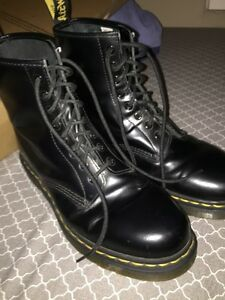 Dr Martens 8 hole smooth leather size 9 Peterborough Peterborough Area image 1