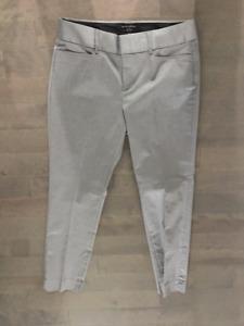 Nice Banana Republic gray pants size 10, like new