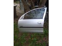 Corsa c 2005 5 door complete passenger door in star silver z157 / 2au 07594145438