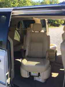 2008 Chrysler Town & Country Limited, Ideal for Young Family Peterborough Peterborough Area image 4