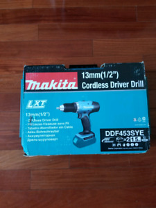 Makita DDF453SYE Cordless Drill Set (Includes Battery)