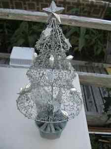 Silver Wire tabletop Christmas Tree