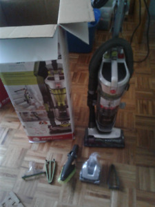 Hoover Air Lift Deluxe Upright Vacuum New with Warranty