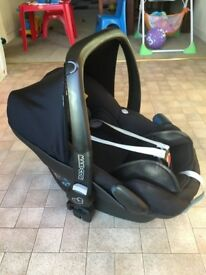 Maxi-cosi pebble car seat & isofix base