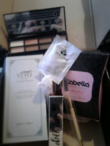 NEW IN BOX MAKE UP & BEAUTY PRODUCTS..Great gift