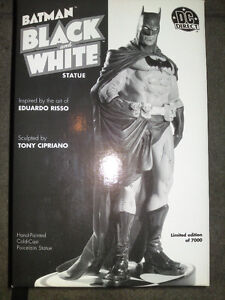 DC Comics Batman black and white statue 1st Edition