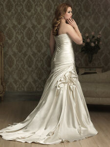Allure Wedding dress size 16W