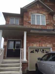 4 bedroom, 3.5 bathroom Prime Location Brampton house for lease