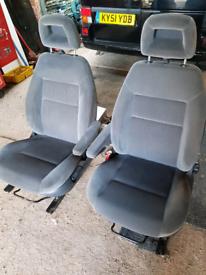 Ford Galaxy swivel captain seats