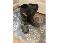 WULF size 6 MX Boots