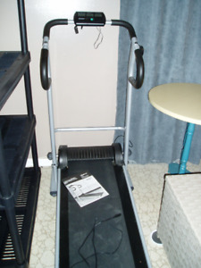 Life Gear Manual Treadmill for cardiovascular and muscle toning
