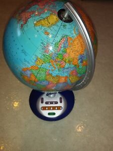 WORLD GLOBE / GLOBE MONDIAL ( + Geosafari Talking Game)