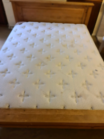 Flash sale king size bed £100