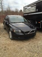 2006 Volvo t5 awd  s40 small beautiful car