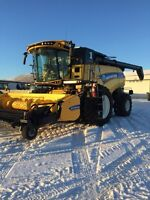 New Holland CR 9.90 Combine