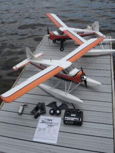 2 Avions téléguidés pour le prix d'un