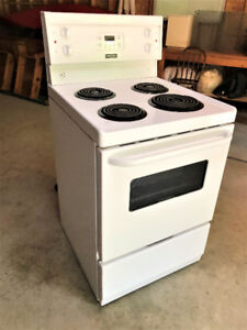 24 inch Stove in excellent condition.