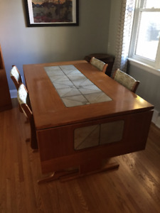 Teak dining room table w. 6 chairs