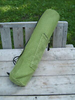 Excellent Condition: Gaiam Yoga Mat With Carrying Case