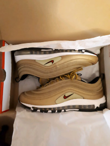 DS AIR MAX 97 METALLIC GOLD SIZE 11.5 LOOKING TO SIZE SWAP!