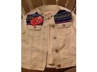 🐼 🍭💗Brand new Girls size 5-6 year sleeveless jacket tagged