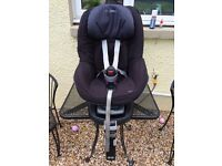 Maxi-Cosi Family fix base with Pearl seat.