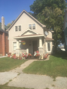 Orillia single family 98 Matchedash S.