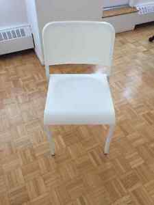 6 chaises blanches salle à manger / 6 white dining chairs