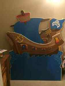 Pirate ship themed kids bedroom set