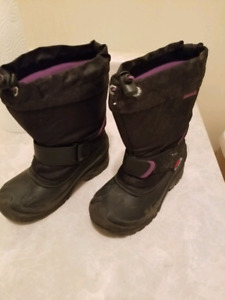 Girls thinsulate boots
