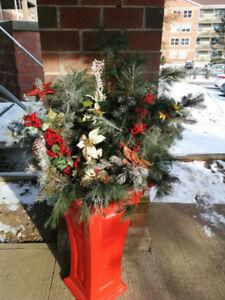 2 RED 'Yimby Heritage' Indoor/Outdoor Self-Watering Planters