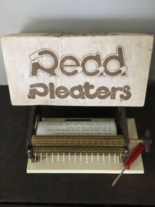 Read 16 needle pleater for smocking