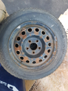 4 pneus  Winter Tire and rim  15 in